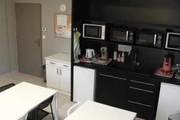 L'espace cuisine pour le déjeuner du midi et les pauses lors de votre formation : Cap Formation à Carpentras.