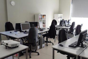 Une salle toute équipée ! Un ordinateur par apprenant chez Cap Formation, votre organisme de formation professionnelle continue à Carpentras !